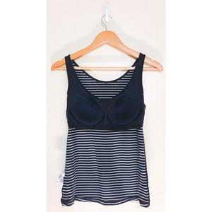 81b05632177ad Uniqlo Tops - UNIQLO women s AIRISM BRA sleeveless top